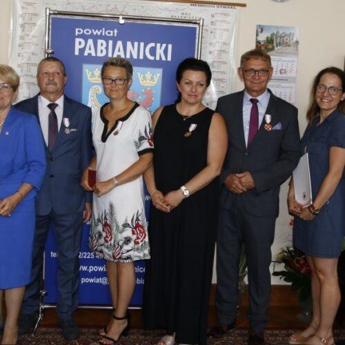 Przyznanie Odznaki Honorowej Polskiego Czerwonego Krzyża